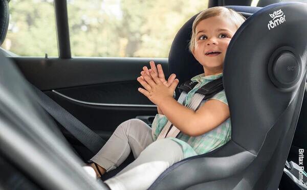 fotelik samochodowy dla dziecka z Testem Plus