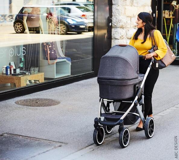 Gondola ze spacerówką dla dziecka